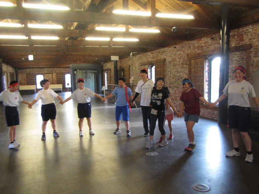 ミニ運動会 みんなでフォークダンス。