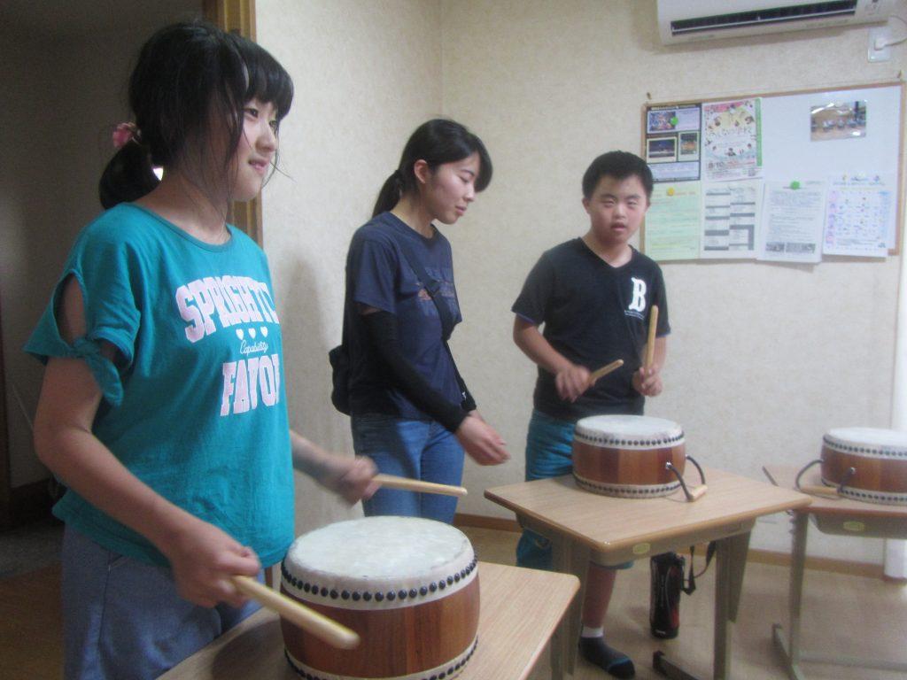 デイリープログラム 太鼓の練習