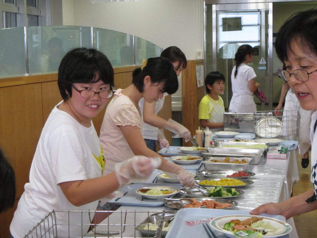 夏合宿 夕食の準備は上級生がやります。