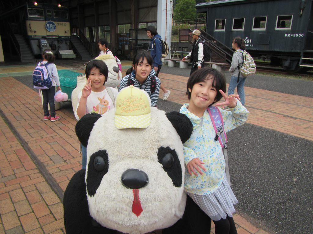 """横川ハイキング """"鉄道文化村"""" で遊んで帰ろう。"""