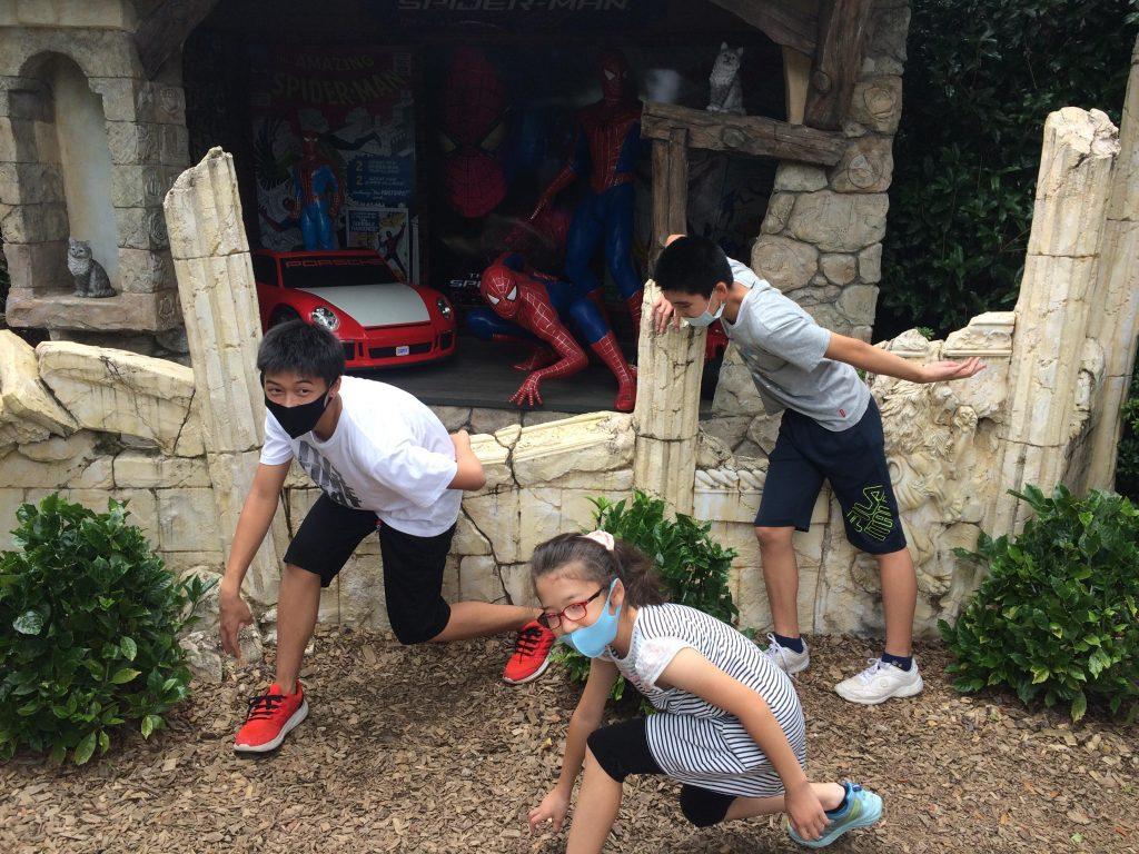 伊香保散歩 おもちゃ博物館、スパイダーマンになりきってま~す。