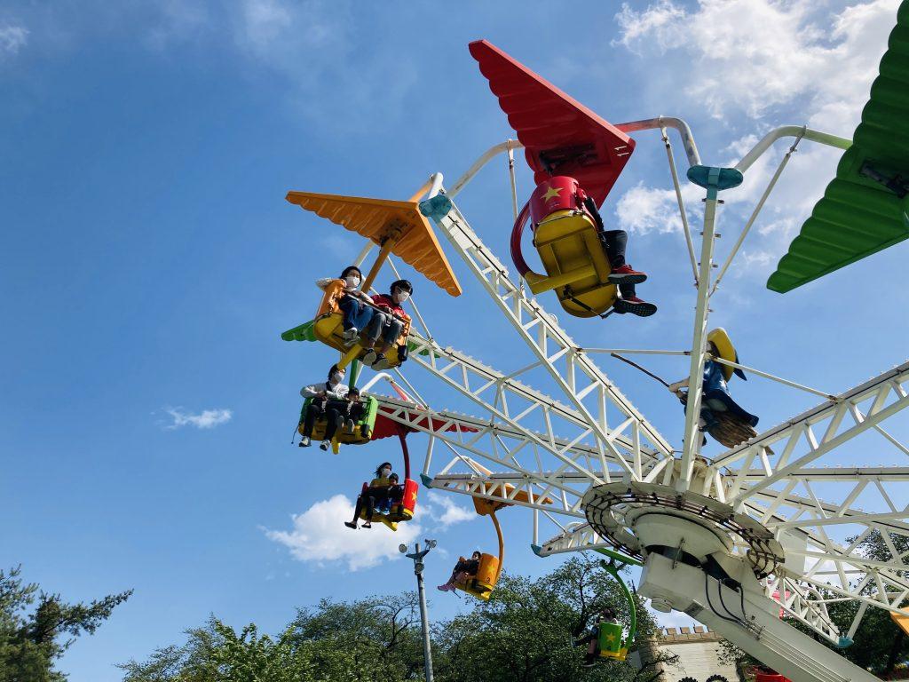 華蔵寺公園 飛行機、足がブラブラで少しスリルありました。