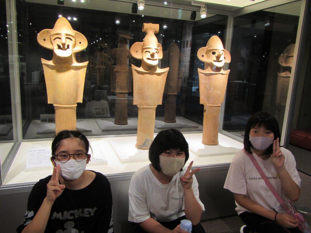 夏の思い出 博物館めぐり 笑っている埴輪、癒やされます。